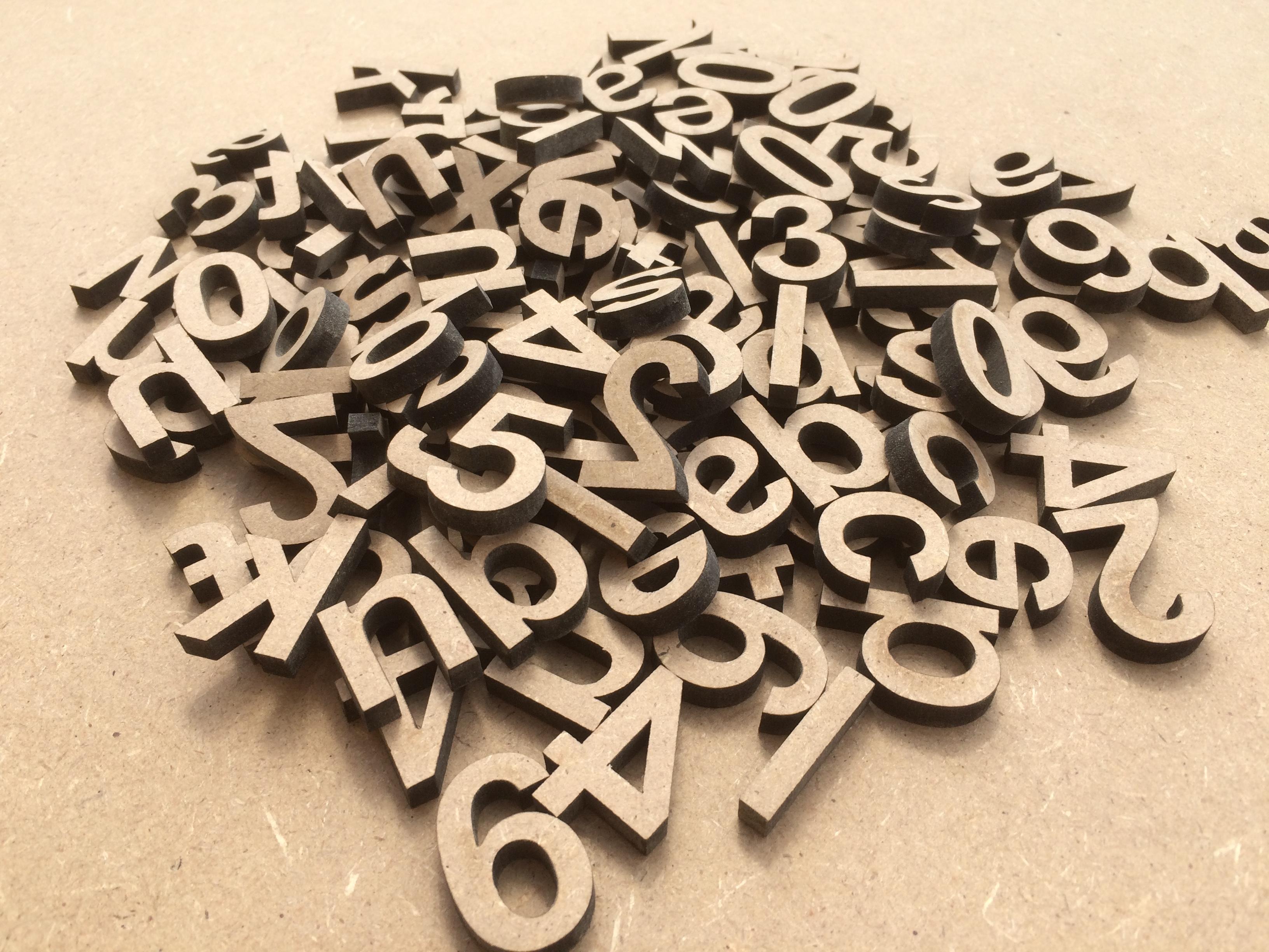 Lettres minuscules en bois lot de 100 pi ces l 39 alphabet complet mv 3d - Pot en 3 lettres ...